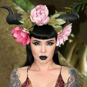 Accessories - RAM HORNS WITH FLOWERS CROWN